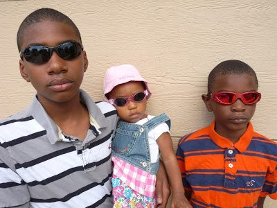 protecting kids' eyes from the sun