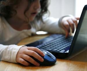 child-on-computer